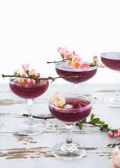 8 Pretty Spring Cocktails You'll Want To Sip On This Season | Glitter Guide
