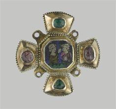 Cruciform clasp of silver and translucent enamel. Ca. 1330-1340. (C) RMN-Grand Palais (musée de Cluny - musée national du Moyen-Âge) / Stéphane Maréchalle.