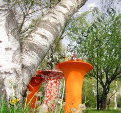 Оранжева изненада! Всичко в цитруси и портокали, стипчива оранжада и сладки джусове, оранжеви бар маси, сребристи свещници, иноксови прибори, ефектни плата и посуда, слънчеви балони - залез в очите ни, слънце в емоциите ни и блаженство в душите ни в топлата петъчна вечер - това се случи на оранжевия коктейл в разкошната зелена градина на фирмата.