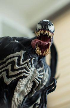 Venom Bust XM Studios