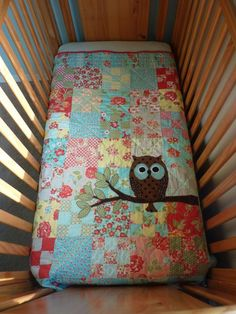 Patchwork Baby Quilt with Owl Appliqué Quilt Baby, Owl Baby Quilts, Baby Owls, Patchwork Baby, Owl Baby Blankets, Patchwork Blanket, Quilting Projects, Sewing Projects, Owl Nursery