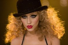 Christina Aguilera mit Löwenmähne