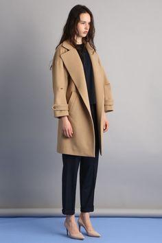 【ELLE SHOP】【予約販売】ファインウールビーバーコートベージュ|サクラ(SACRA)|エル・ショップ Beige Coat, Duster Coat, Jackets, Fashion, Beige Trench Coat, Down Jackets, Moda, Fashion Styles, Fashion Illustrations