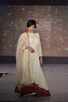 #manishmalhotra #lehenga #embroidery #embellished #indianbridal #anarkali