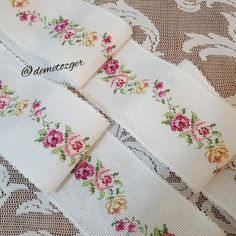 Cross Stitch Borders, Cross Stitching, Cross Stitch Patterns, Hardanger Embroidery, Hand Embroidery, Embroidery Designs, Good Morning Flowers, Blackwork, Needlework