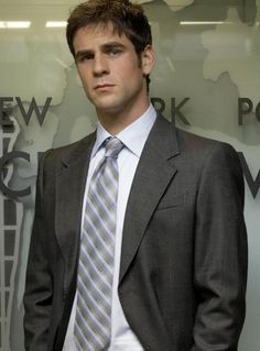 Detective Don Flack from CSI:NY, portrayed by Eddie Cahill Tv Actors, Actors & Actresses, Eddie Cahill, Les Experts, Old Shows, Music Tv, Celebs, Celebrities, Gorgeous Men
