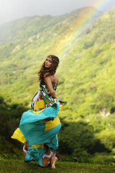 LOVE this dress, photo,mountains, raindbow,headband....everything!!Photo by: Daeja Fallas