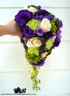 Trailing bouquet - So elegant