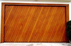 Portão de Madeira EP-301 pode ser revistido com madeira ipê ou jatoba no desenho vertical, diagonal, espinha de peixe ou losango (assoalho, deck ou lambril).