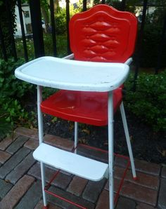 Toy High Chair for Dolls. Red & White. Amsco Doll-E. Vintage 1940s.