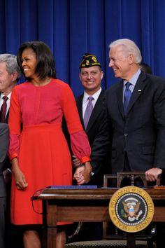 November With Vice President Joe Biden as President Obama signs the Veterans Jobs Bill in Washington, DC. Barak And Michelle Obama, Barrack And Michelle, Joe Biden, Durham, First Black President, Vice President, Barack Obama Family, Obamas Family, Michelle Obama Fashion