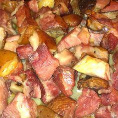 Hungarian Recipes, Hungarian Food, Hawaiian Pizza, Meat Recipes, Pork, Food And Drink, Potatoes, Favorite Recipes, Beef