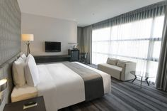 Executive Room at Holiday Inn Bangkok Sukhumvit 22.