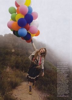 Fashion balloons. Imagine if it was a trend to walk around with balloons? Wonderful! Let's start it!
