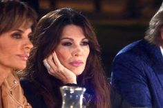 """Lisa Vanderpump Has A Message For Her RHOBH Co-Stars That Say She's Manipulative: """"I Have Some Sound Advice...Get A F—ing Life"""""""