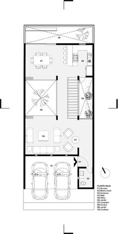 Galería de Casa Once / Espacio 18 Arquitectura + Cueto Arquitectura - 16 - Narrow House Plans, Modern House Plans, Modern House Design, House Floor Plans, Layouts Casa, House Layouts, Courtyard House, Facade House, Casas Containers