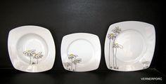 talire - Hledat Googlem Decorative Plates, Tableware, Home Decor, Dinnerware, Decoration Home, Room Decor, Dishes, Interior Design, Home Interiors