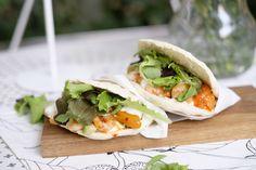 Pita mit Garnelen und Chili-Marillen | Because You Are Hungry