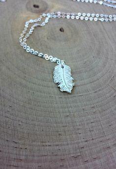 Silver Feather Pendant Necklace - Silver Boho Necklace - Feather Charm Necklace - Layering #Necklace - Minimal Jewelry - #Boho #Jewelry