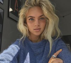 Messy Hairstyles, Hair Looks, Pretty Face, Pretty People, Hair Trends, New Hair, Hair Inspiration, Makeup Looks, Hair Makeup