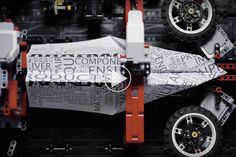 LEGOmaskine-bygger-papirflyver_1