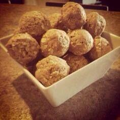 "Craving a little treat? Juice plus complete balls!! 1 cup oats 1 cup organic peanut butter 1/4 cup honey 1 scoop of juice plus chocolate powder Mix all ingredients into 1"" balls refrigerate. Enjoy"