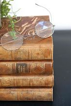 old spectacles and books...❤
