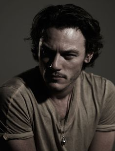 Luke Evans... Saw him at work today. Funny what you see when you actually pay attention ;)
