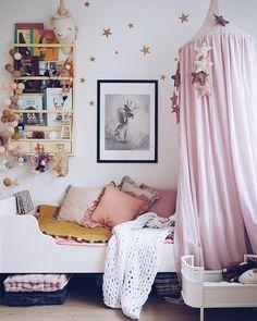 "Polubienia: 7,467, komentarze: 60 – Dominika Brudny (@domsli22) na Instagramie: ""I like this place #mygirlroom#kidsspace#kidsroom"""