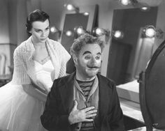 Limelight with Charlie Chaplin & Clair Bloom. Charlie Chaplin also wrote the screenplay & directed the movie and composed the music score. Charlie Chaplin, Hollywood Life, Vintage Hollywood, Claire Bloom, Charles Spencer Chaplin, Send In The Clowns, Walking In The Rain, Bad Memories, Silent Film