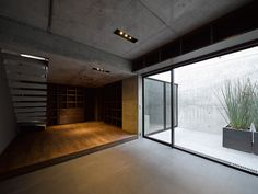 Apollo design Grigio, a minimalist concrete house in Tokyo House Architecture Styles, Concrete Architecture, Minimal Architecture, Architecture Office, Architecture Details, Beautiful Architecture, House Tokyo, Agi Architects, Casa Patio