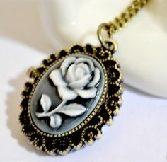 Sweet Elegant Style Carved Rose Flower Pattern Oval Pocket Watch Pendant Sweater Chain (AS THE PICTURE) | Sammydress.com