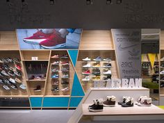 large Format Graphics, brands, DNA Street Beat sneakers branding by LINII Group and Shopworks, Moscow Russia shoes branding branding Shoe Store Design, Retail Store Design, Retail Shop, Showroom Design, Shop Interior Design, Cafe Design, Visual Merchandising, Design Garage, Displays
