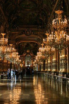Opéra de Paris hallway room