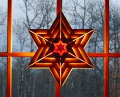 Swedish Wooden Hanging Star {Polarissimo Wooden Star...nordic connection} Wood Yard Art, Parol, Wood Stars, Christmas Holidays, Christmas Ornaments, Natural Toys, Waldorf Toys, Weaving Art, Wooden Toys
