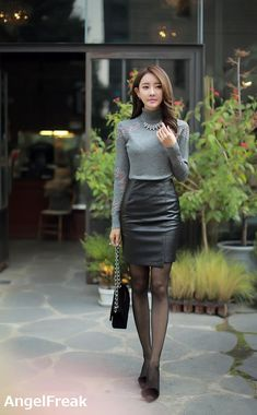 Best 11 Pullover, tights and leather skirt – Page 411868328421382651 – SkillOfKing. Korean Girl Fashion, Asian Fashion, Long Leather Skirt, Leather Skirts, Glamour Ladies, Sexy Skirt, In Pantyhose, Elegant Outfit, Sexy Asian Girls
