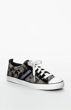coach shoes...love Shoe Boots, Shoes Sandals, Dream Shoes, Shoe Closet, Coach Shoes, Coach Handbags, Metallic Leather, Types Of Shoes, Beautiful Shoes