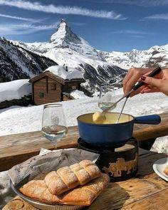 Christmas Aesthetic, Aesthetic Food, Tis The Season, Ski Season, Winter Wonderland, Christmas Time, Holiday, Skiing, Snowboarding