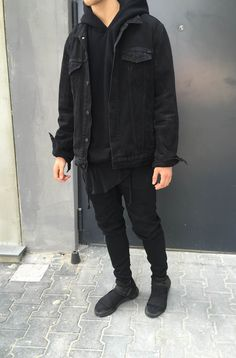 beautiful autumn-outfits-teenager-young-black-denim jacket Source by marleenbngen Grunge Outfits, Boy Outfits, Fall Outfits, Fashion Outfits, Men's Fashion, Teen Guy Fashion, Neue Outfits, Fresh Outfits, Black Outfits