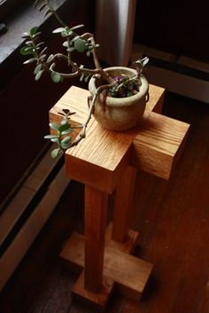wooden plant stand - such clean lines