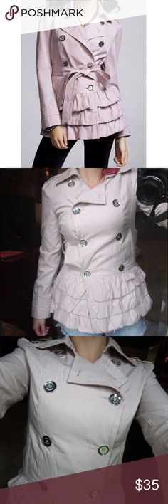 🆕 Express trench coat Adorable express trench coat from express size small. This jacket was literally worn once and hung dry still in brand new condition! Is missing the belt that ties around but you can add your own as your choice! Beautiful blush pink color. Perfect for any wardrobe and great for the upcoming fall season! 🍂 Express Jackets & Coats Trench Coats