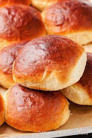 Bułki drożdżowe z jogurtem Hamburger, Food And Drink, Bread, Cooking, Workout, Christmas, Polish Food Recipes, Bakken, Kitchen