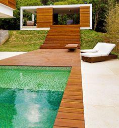 Bellissima piscina dal design moderno n.21