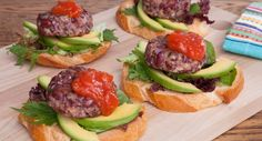 Brunch is sorted this weekend with these delicious Bean Burgers. Recipe thanks to Six Little Hearts. Vegetarian Options, Vegetarian Recipes, Cooking Recipes, Bean Burger, Salmon Burgers, Fall Recipes, Breakfast Recipes, Side Dishes, Easy Meals