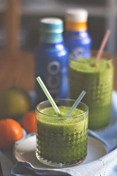 Für Fortgeschrittene Clean Eaters –Grünkohl-Kokoswasser-Smoothie {  Gewinnspiel mit ZICO} / Kale Coconut Water Smoothie