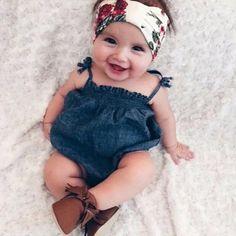 So cute baby outfit So Cute Baby, Cute Kids, Cute Babies, Chubby Babies, Pretty Baby, Cute Baby Girl Names, Cute Little Baby Girl, Names Baby, Boy Names