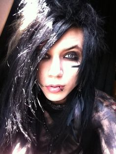 Andy Sixx / Andy Biersack 2011 hair