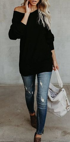 one+shoulder+trend+that+looks+impossible+comfy+and+elegant