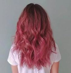 Aesthetic Hair Color Josiane Lalonde used AESTHETIC & we're having major hair envy 😍 Ch Dark Pink Hair, Pink Ombre Hair, Hair Color Pink, Hair Dye Colors, Cool Hair Color, Pinkish Purple Hair, Dyed Hair Pink, Long Pink Hair, Dark Blonde