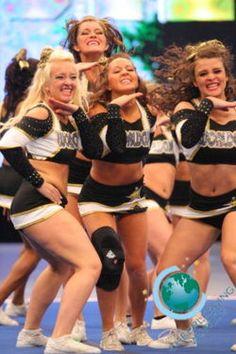 Such good cheerleading facials!